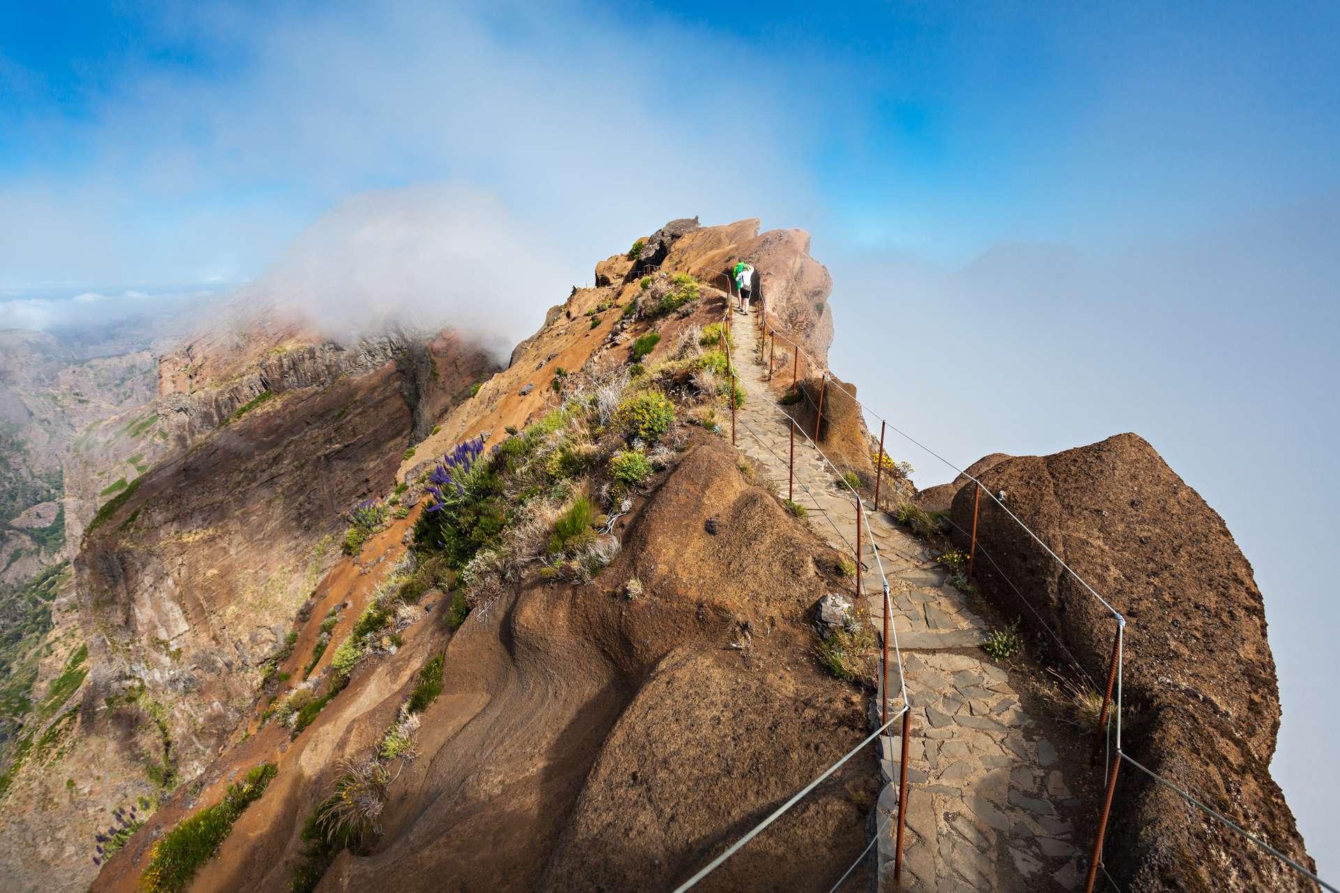 Door de wolken naar de Pico Ruivo Madeira
