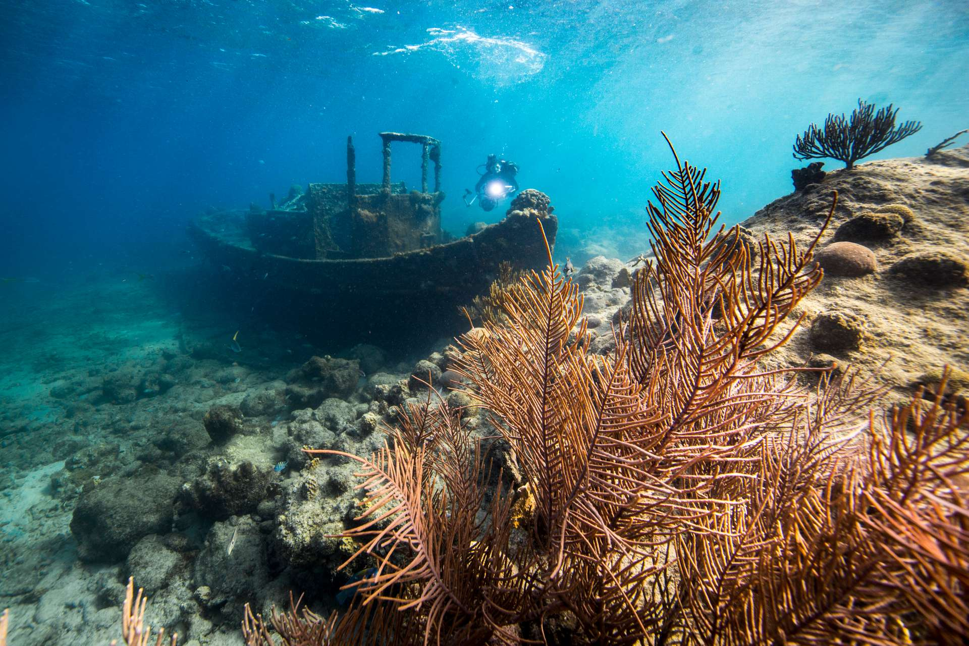 Duiken Curacao, sleepboot