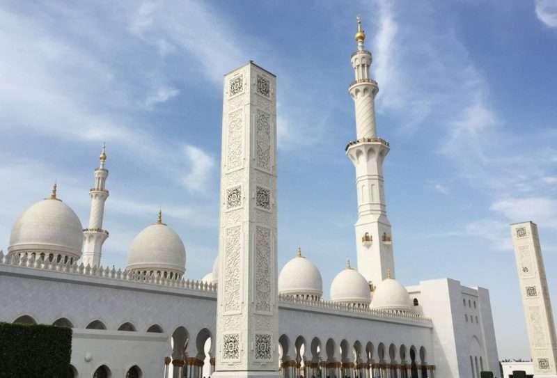 Sjeik-Zayed-moskee-2-800x543