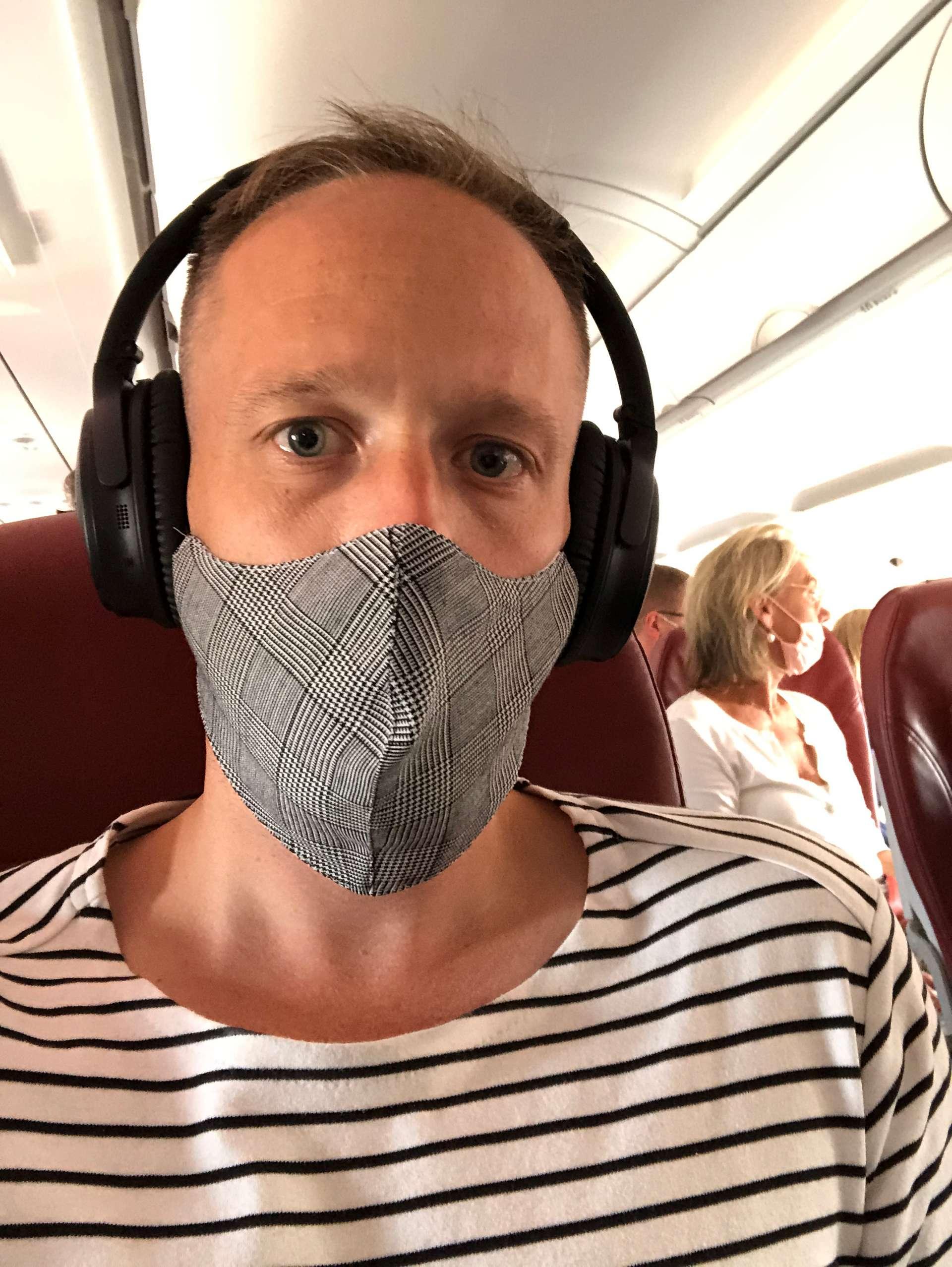 Mondkapje tijdens de vlucht