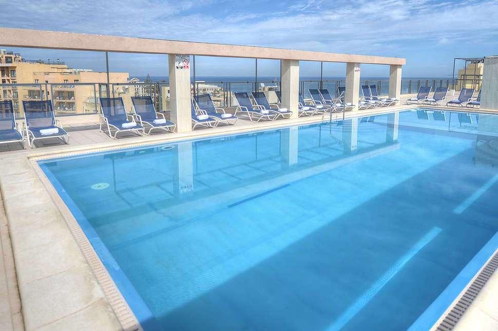 alexandra hotel zwembad
