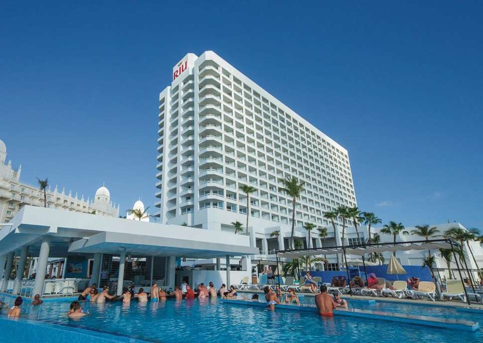aruba riu palace antillas hotel zwembad 2