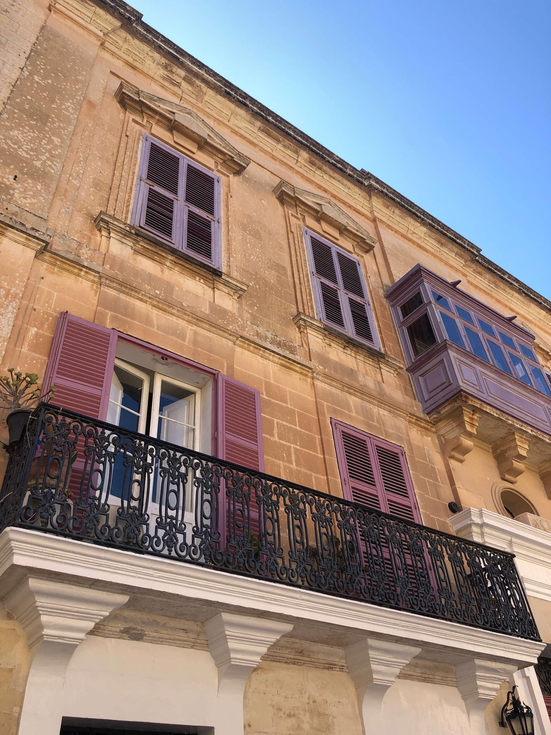 Kleurrijke huizen in Medina