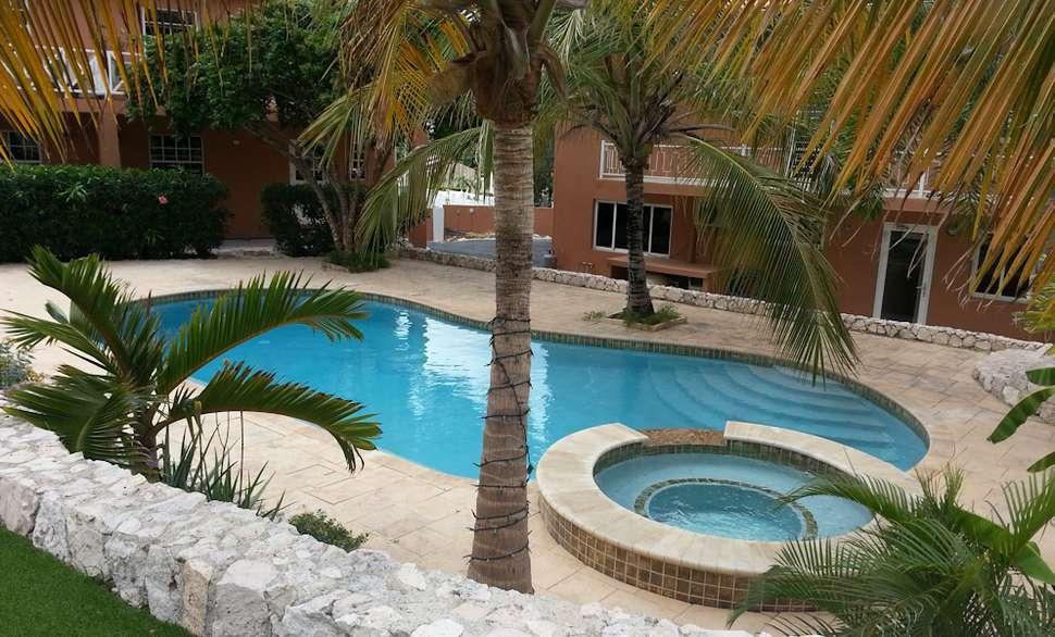 Curinjo Resort zwembad