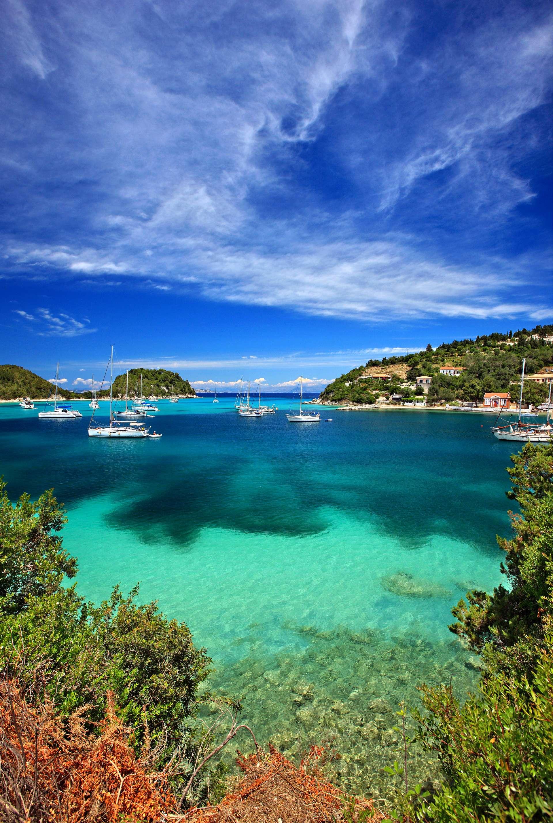 Griekenland Corfu Paxos Lakka bay and small part of Lakka village