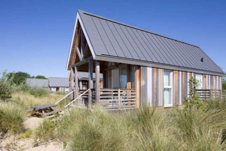 Lodge Beach Zeeland