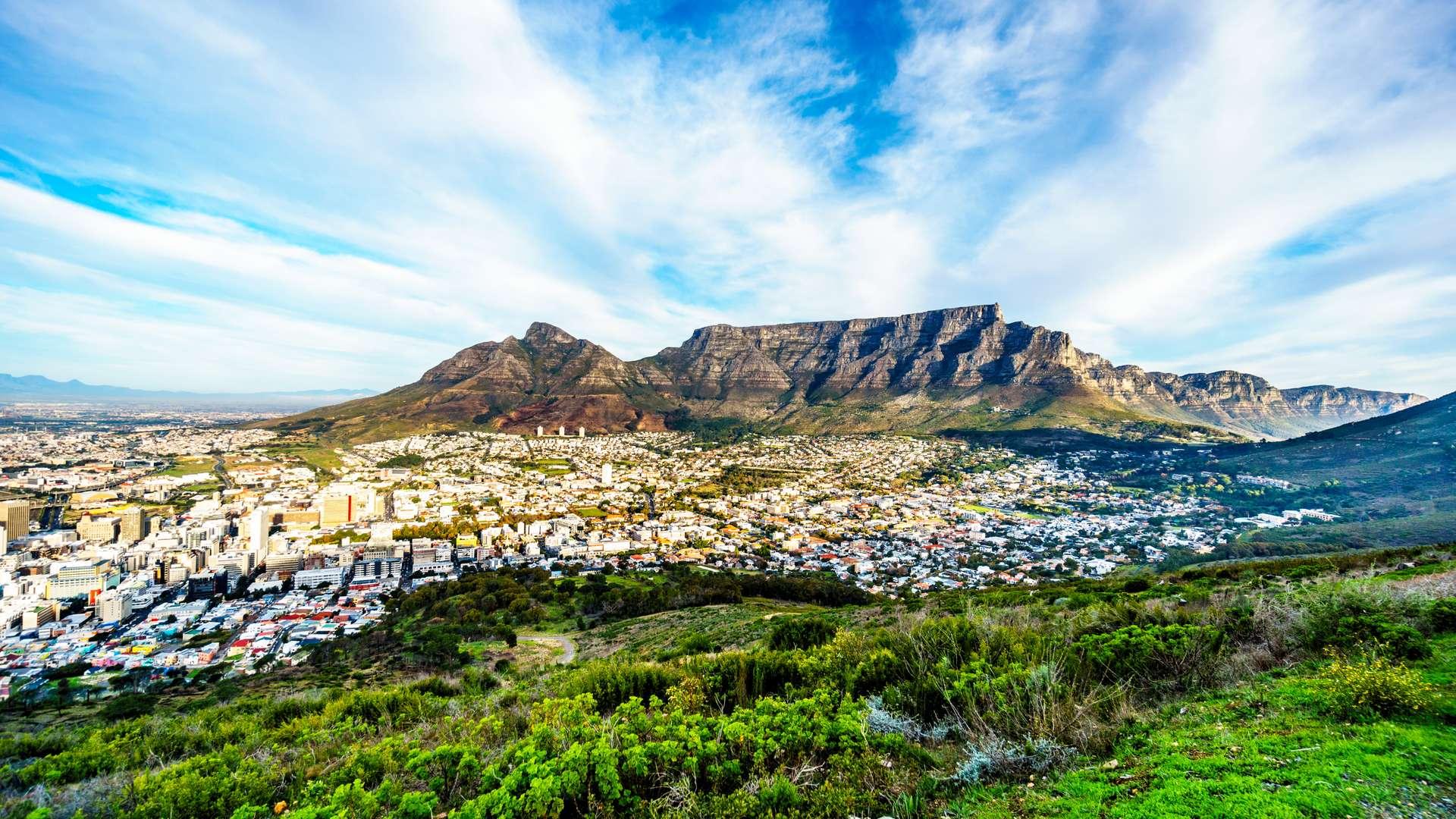 Zuid Afrika Kaapstad Table Mountain, Devils Peak, Lions Head and the Twelve Apostle